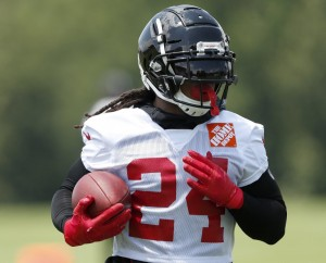 The New York Giants Sign Devonta Freeman