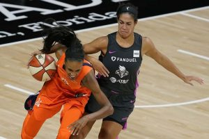 Bonner shines in win over New York Liberty