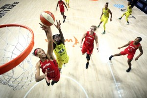 Las Vegas gets top seed, wins over Seattle