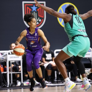 Diggins-Smith hits 30, eliminates Liberty from playoffs.