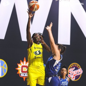 Five players in double digits for Seattle Storm