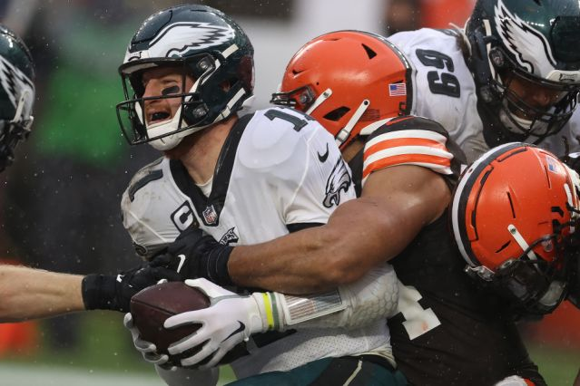 Eagles lose to Browns